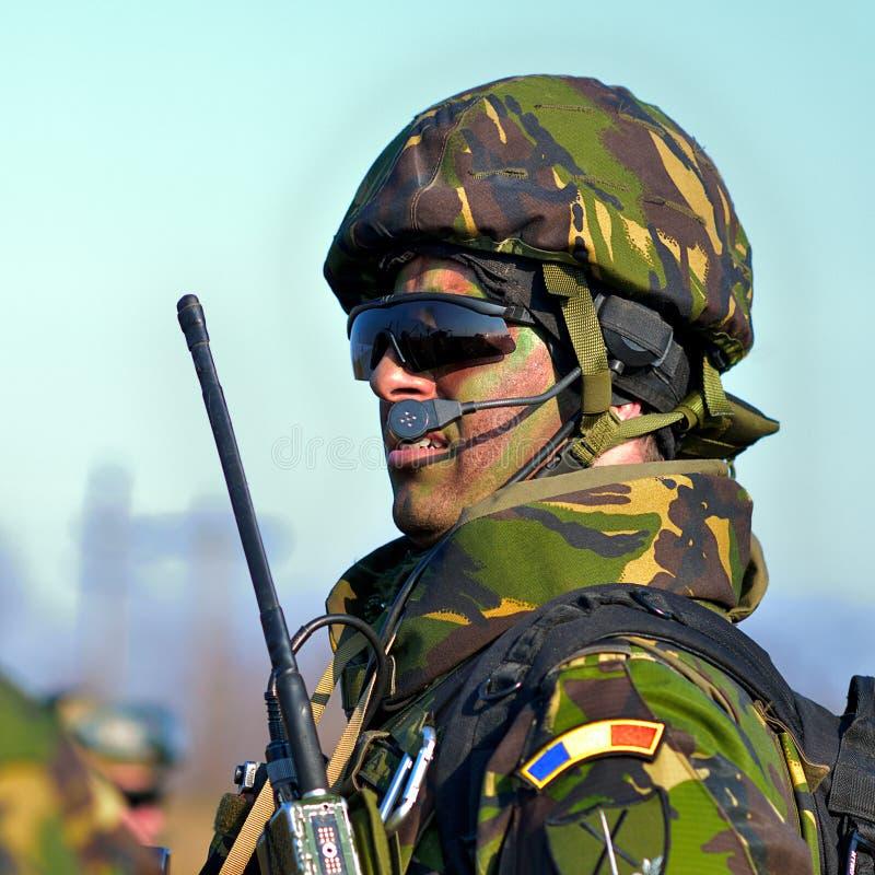 Ρουμανικό πεζικό στο στρατιωτικό πολύγωνο στοκ φωτογραφία με δικαίωμα ελεύθερης χρήσης