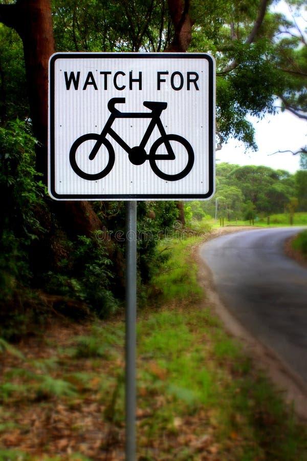 Ρολόι για το σημάδι ποδηλατών στοκ φωτογραφίες με δικαίωμα ελεύθερης χρήσης