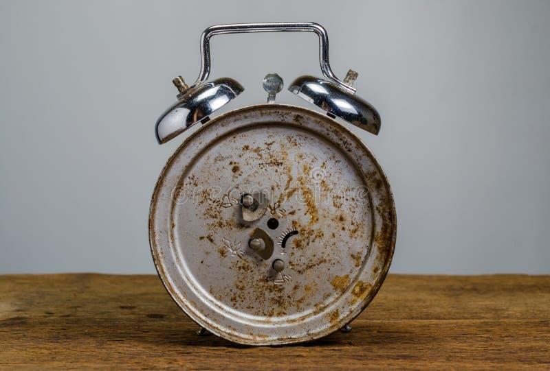 ρολόι συναγερμών αναδρομικό στοκ φωτογραφία