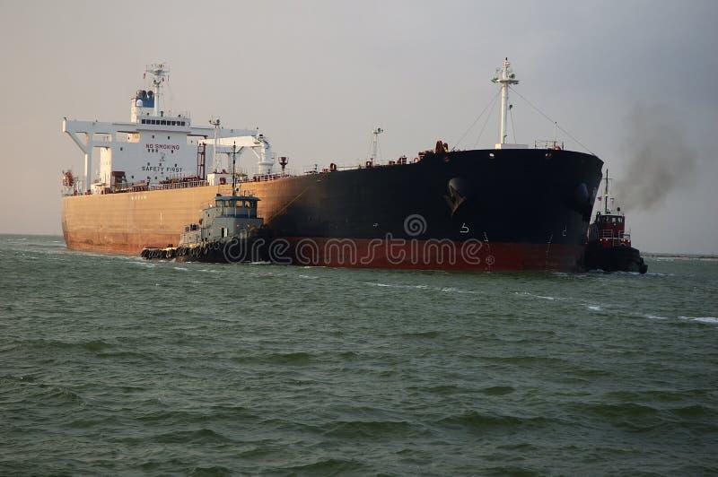 ρυμουλκά πετρελαιοφόρ&ome στοκ εικόνα με δικαίωμα ελεύθερης χρήσης