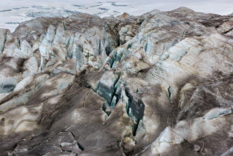 Ρωγμές στο μικρό παγετώνα Azau στο υποστήριγμα Elbrus στοκ φωτογραφίες με δικαίωμα ελεύθερης χρήσης