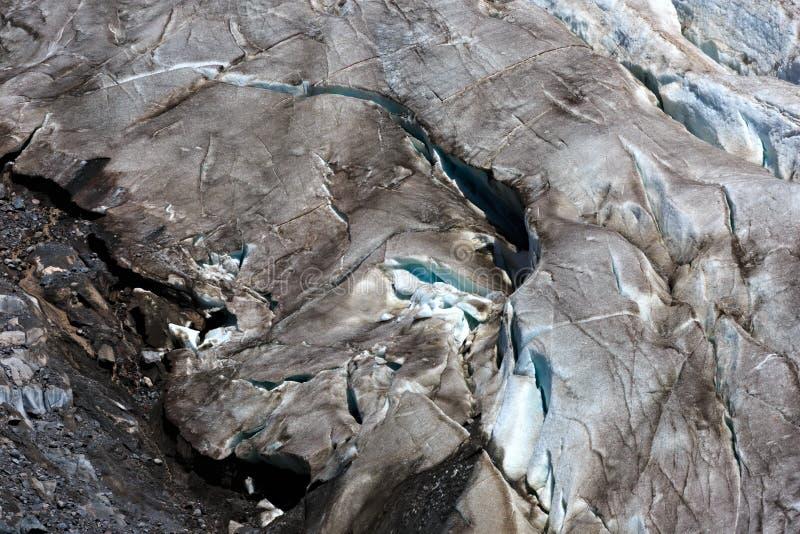 Ρωγμές στο μικρό παγετώνα Azau στο υποστήριγμα Elbrus στοκ εικόνες με δικαίωμα ελεύθερης χρήσης