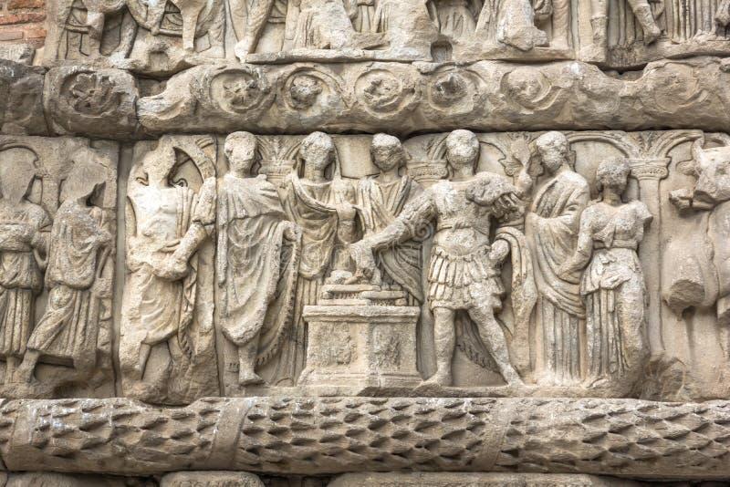 Ρωμαϊκή αψίδα Galerius στο κέντρο της πόλης Θεσσαλονίκης, κεντρική Μακεδονία, Ελλάδα στοκ φωτογραφία με δικαίωμα ελεύθερης χρήσης