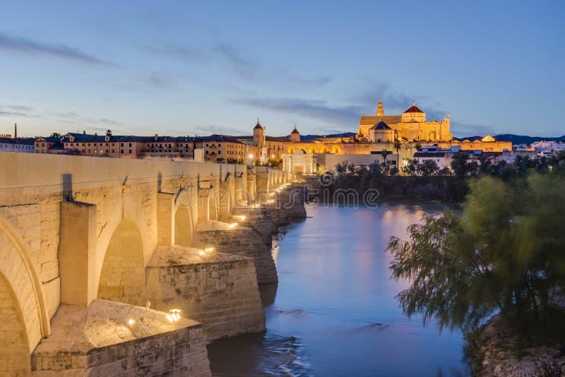 Ρωμαϊκή γέφυρα στην Κόρδοβα, Ανδαλουσία, νότια Ισπανία στοκ εικόνες με δικαίωμα ελεύθερης χρήσης