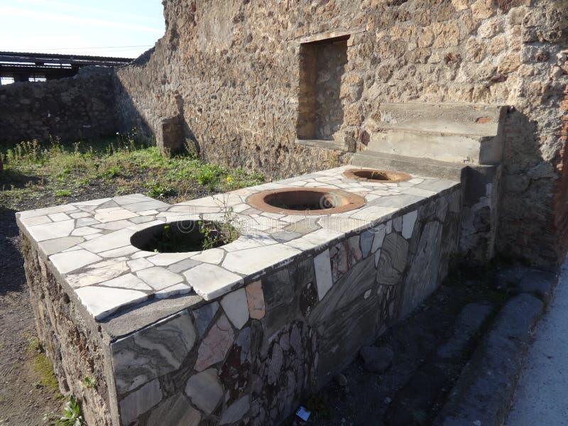 Ρωμαϊκή κουζίνα βιλών στην Πομπηία στοκ εικόνα με δικαίωμα ελεύθερης χρήσης