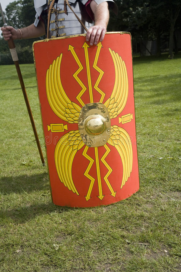 ρωμαϊκός στρατιώτης ασπίδω& στοκ εικόνες