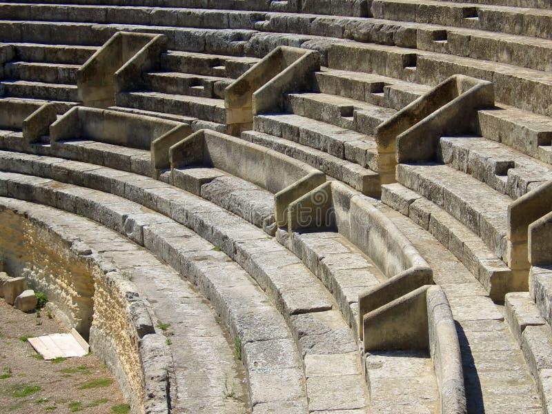 Download ρωμαϊκό θέατρο στοκ εικόνα. εικόνα από σκάλα, βράχος, ελληνικά - 1548953