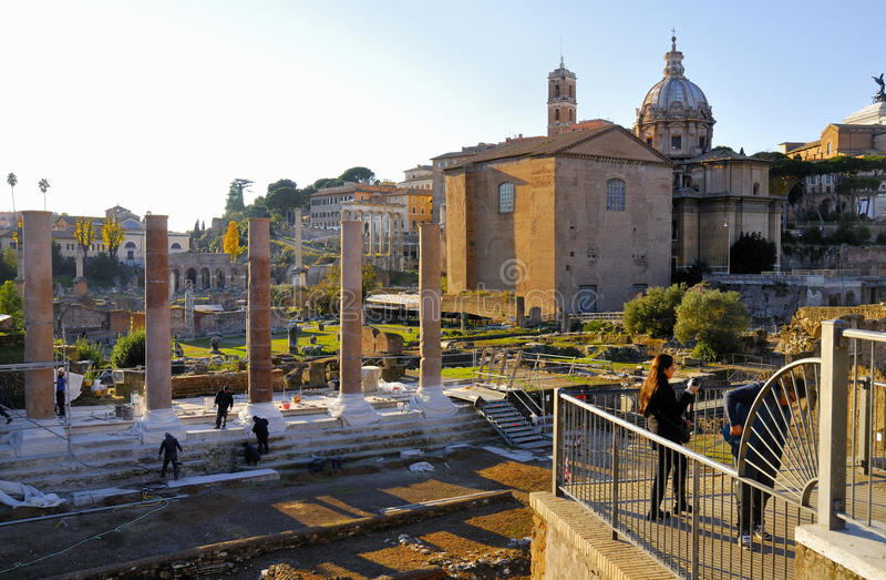Ρωμαϊκό φόρουμ, ιστορικό κέντρο της Ρώμης ` s, Ιταλία στοκ φωτογραφίες