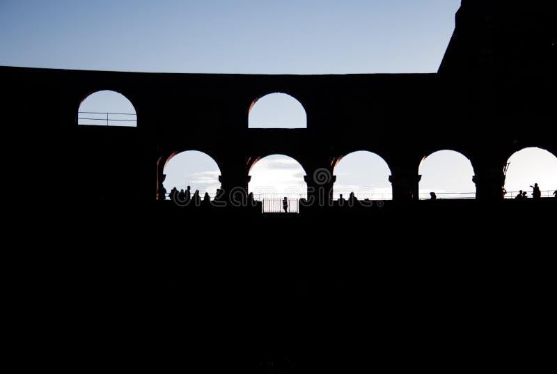 Ρωμαϊκό coliseum στον αργά το απόγευμα στοκ εικόνα