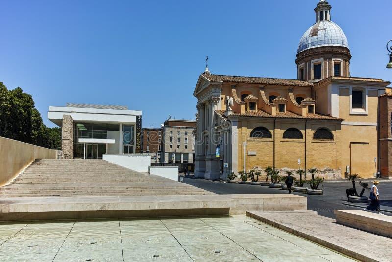 ΡΩΜΗ, ΙΤΑΛΙΑ - 22 ΙΟΥΝΊΟΥ 2017: Καταπληκτική άποψη Chiesa Di SAN Rocco όλο το Augusteo στη Ρώμη στοκ φωτογραφία με δικαίωμα ελεύθερης χρήσης