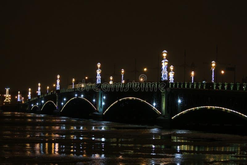 Ρωσία, Αγία Πετρούπολη, γέφυρα Troitsky στοκ φωτογραφία