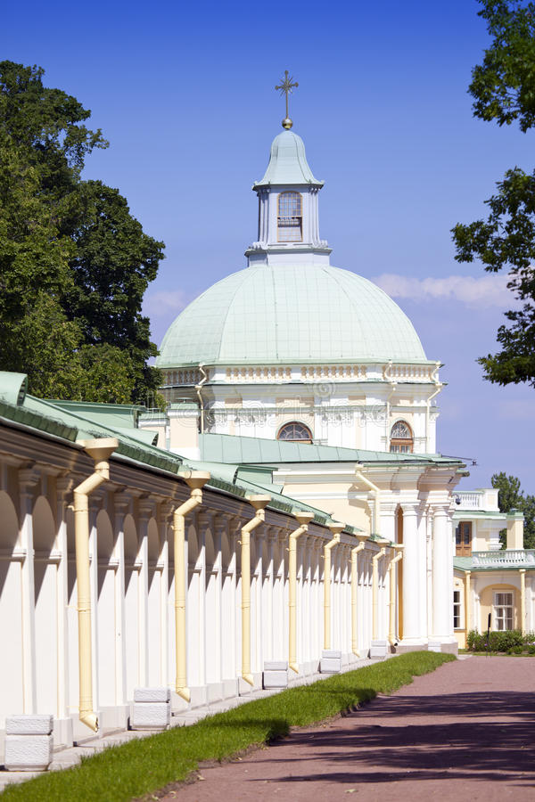 Ρωσία Πετρούπολη Oranienbaum (Lomonosov) χαμηλότερο πάρκο μεγάλο menshikovsky παλάτι στοκ εικόνες