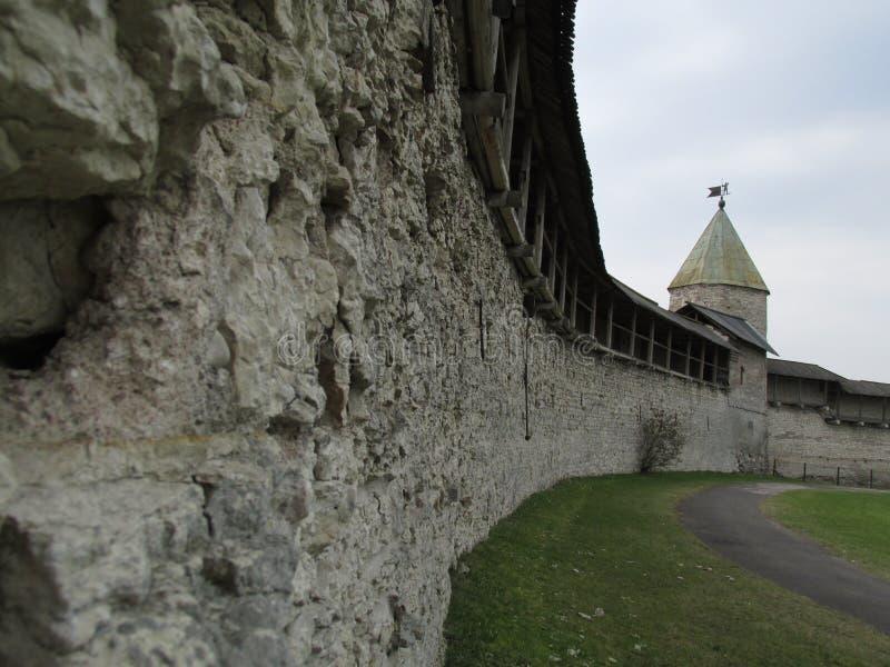 Ρωσία, Pskov, Pskov Κρεμλίνο την πρώιμη άνοιξη στοκ φωτογραφία με δικαίωμα ελεύθερης χρήσης