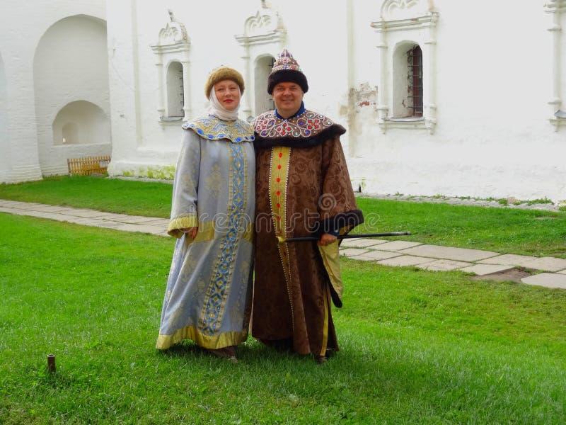 Ρωσικά εθνικά κοστούμια στοκ εικόνες