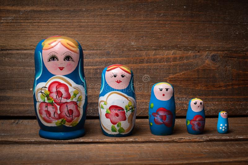 Ρωσική κούκλα στοκ φωτογραφία με δικαίωμα ελεύθερης χρήσης