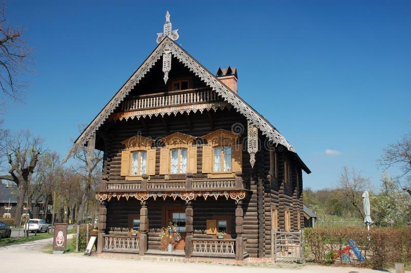 ρωσικός ξύλινος σπιτιών στοκ φωτογραφία