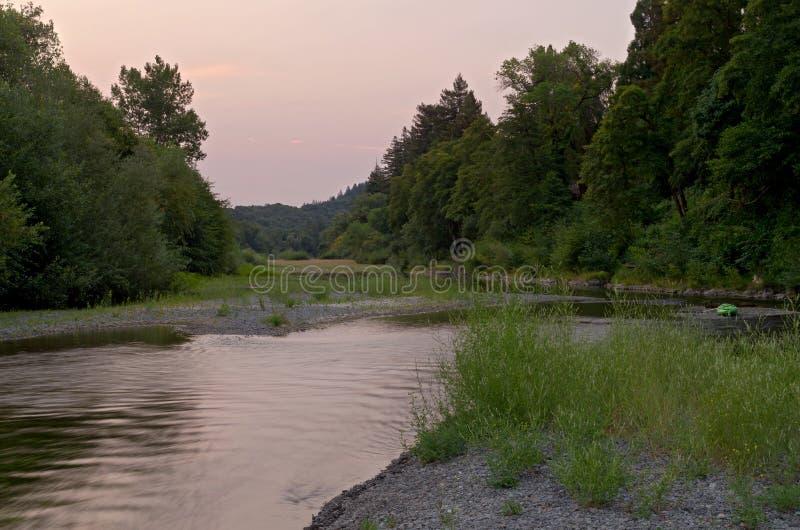 Download Ρωσικός ποταμός μέσω Healdsburg Στοκ Εικόνες - εικόνα από ποταμός, sandbar: 62706072