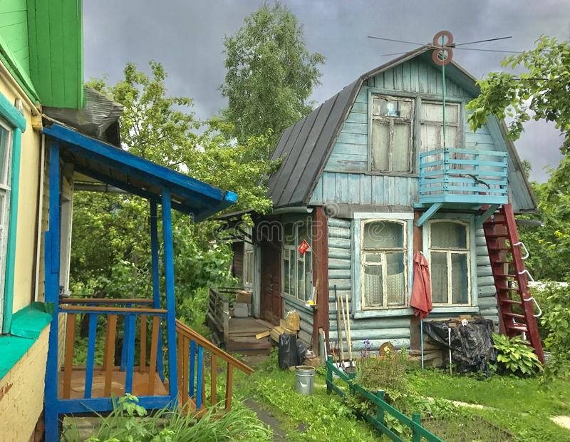 Ρωσικό θερινό εξοχικό σπίτι στοκ φωτογραφία