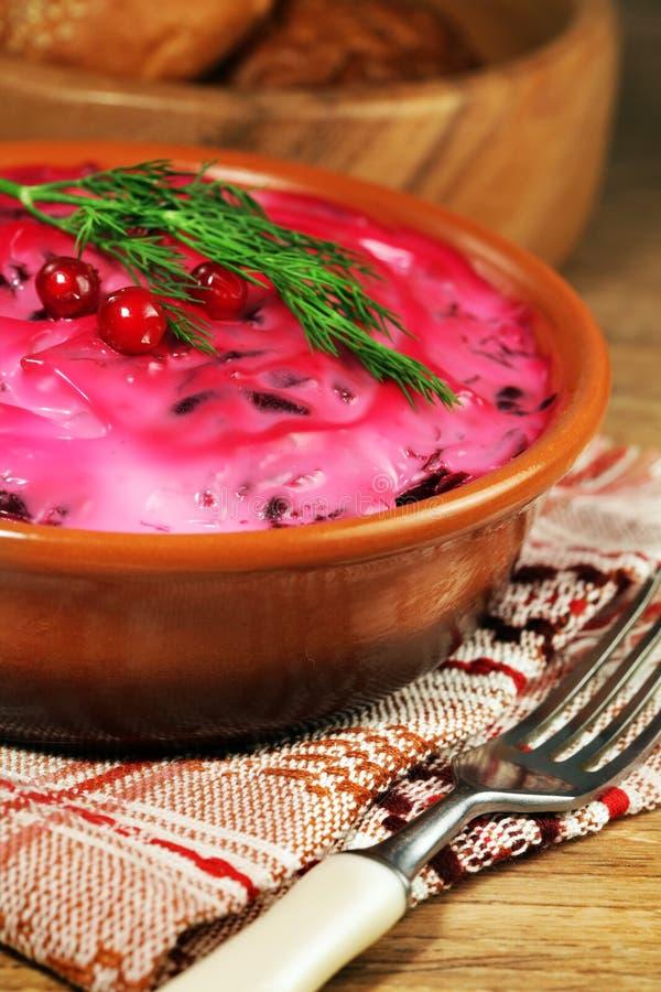 Ρωσικό παραδοσιακό πρόχειρο φαγητό με τις ρέγγες ψαριών στοκ φωτογραφίες