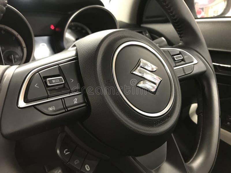 Ρόδα που οδηγεί νέο Suzuki Swift στοκ φωτογραφία με δικαίωμα ελεύθερης χρήσης