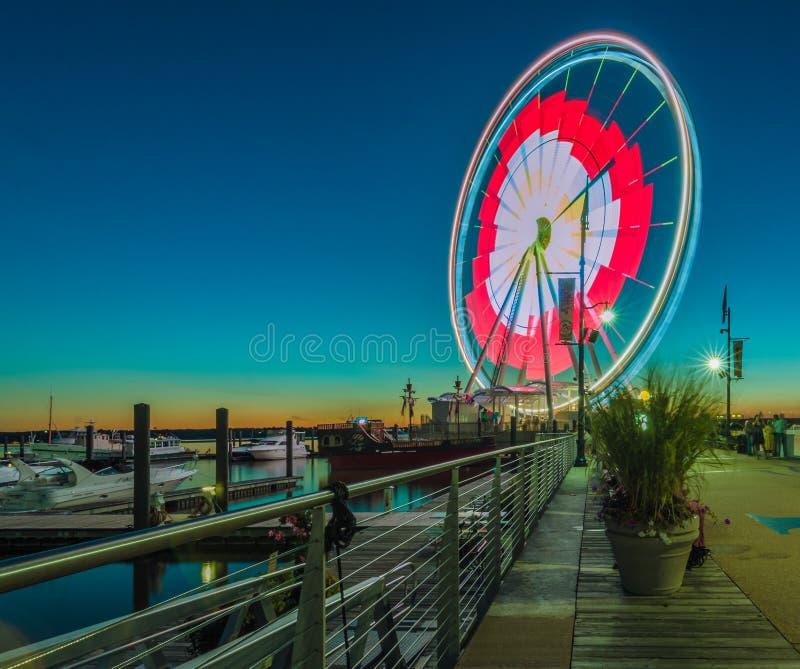Ρόδα Ferris στο εθνικό λιμάνι στοκ φωτογραφία με δικαίωμα ελεύθερης χρήσης