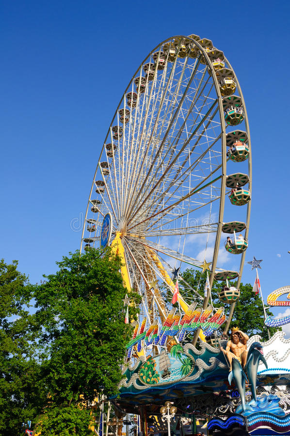 Download ρόδα ferris στοκ εικόνα. εικόνα από ferris, πάρκο, βακκινίων - 17054503