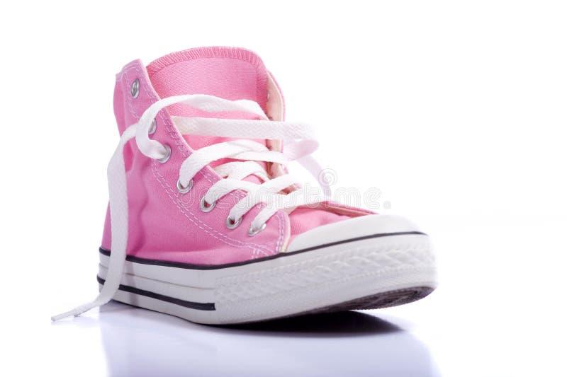 ρόδινα παπούτσια καλαθο&si στοκ εικόνα