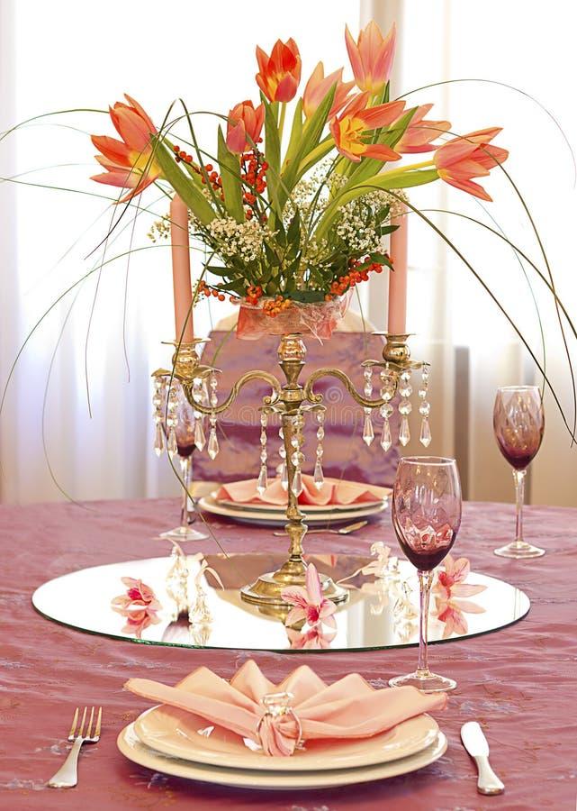 ρόδινος επιτραπέζιος γάμ&omicr στοκ εικόνες