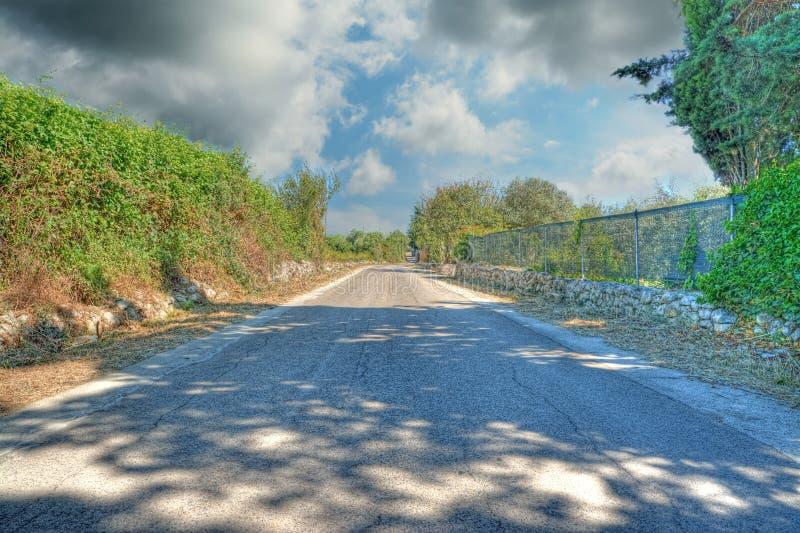 δρόμος σύννεφων κάτω στοκ εικόνες με δικαίωμα ελεύθερης χρήσης