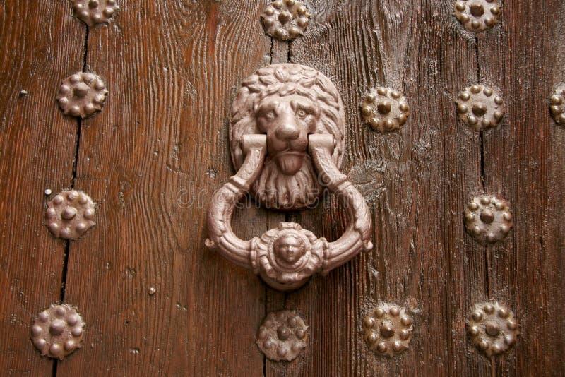 Ρόπτρα πορτών του Τολέδο, Ισπανία στοκ φωτογραφίες