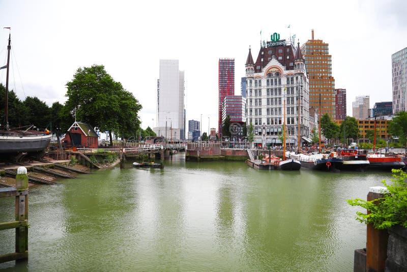 Ρότερνταμ Εξωτερική άποψη της οδού και του Witte Χ Wijnhaven στοκ εικόνα με δικαίωμα ελεύθερης χρήσης