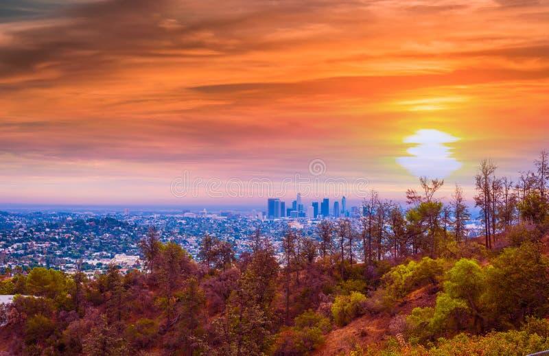 Ρόδινο ηλιοβασίλεμα στο Λος Άντζελες στοκ φωτογραφία με δικαίωμα ελεύθερης χρήσης