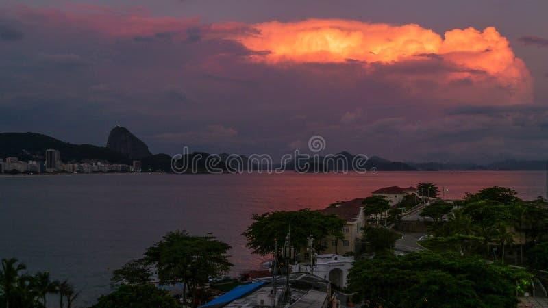 ρόδινο ηλιοβασίλεμα στοκ φωτογραφίες