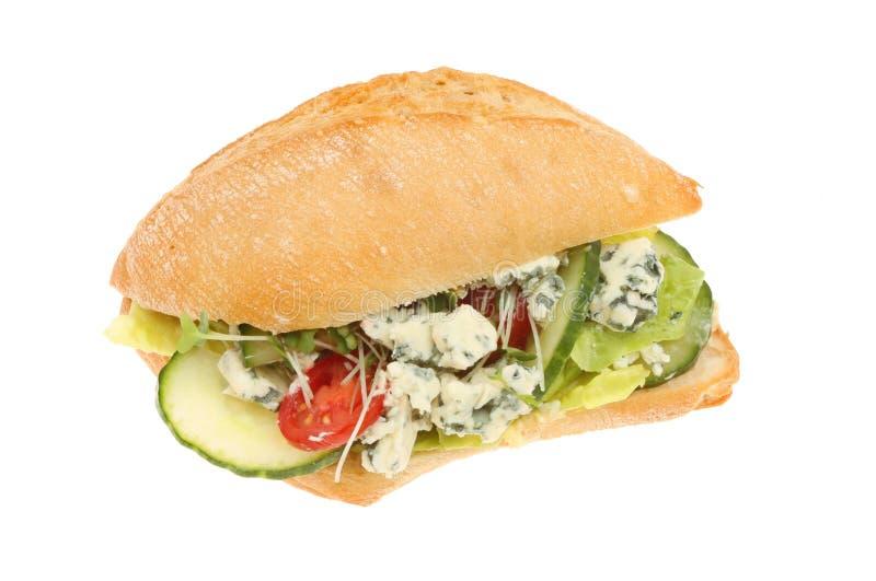 Ρόλος μπλε τυριών και σαλάτας στοκ εικόνες