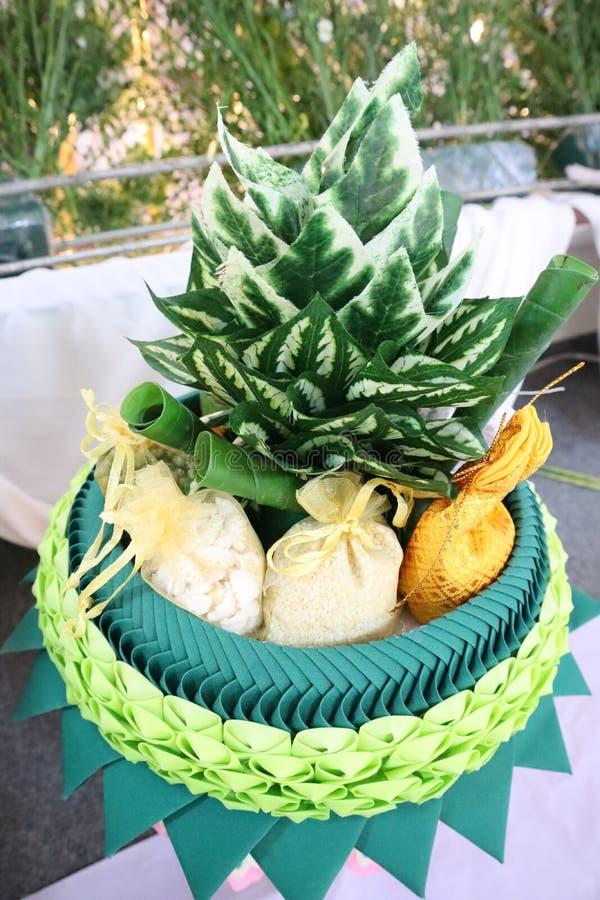 Ρύζι, λουλούδια, auspiciousness, που χρησιμοποιείται στον ταϊλανδικό γάμο στοκ φωτογραφία με δικαίωμα ελεύθερης χρήσης