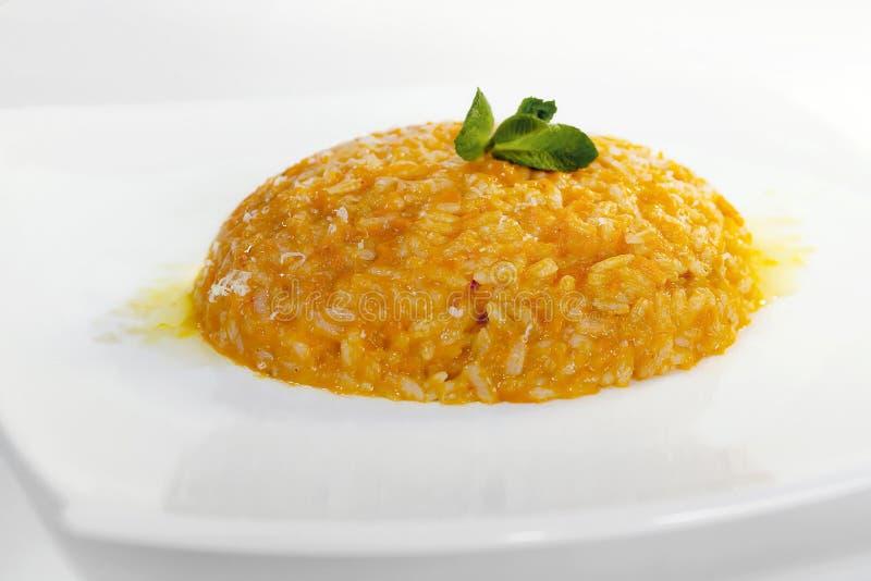 Ρύζι με την κολοκύθα και gorgonzola το τυρί - παραδοσιακά τρόφιμα στοκ εικόνες