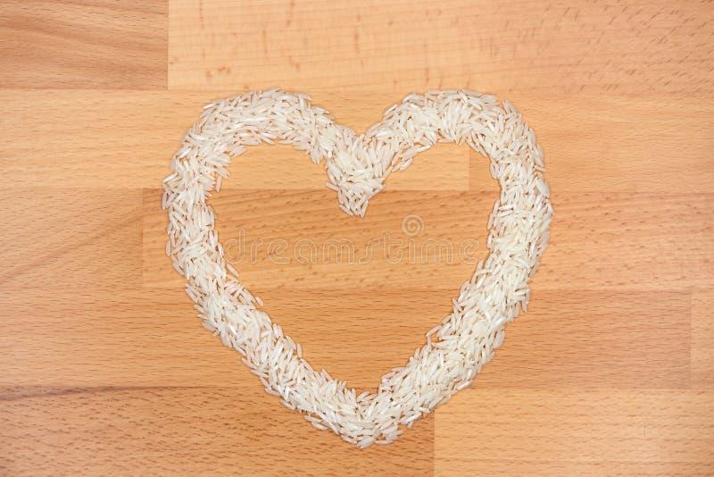 Ρύζι που διαμορφώνεται όπως μια καρδιά στοκ φωτογραφίες με δικαίωμα ελεύθερης χρήσης
