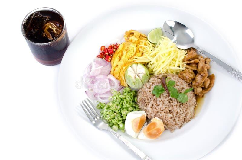 Ρύζι τηγανητών με την κόλλα γαρίδων, ταϊλανδικά τρόφιμα στοκ φωτογραφίες