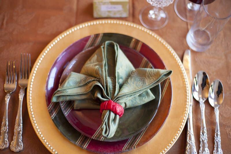 Ρύθμιση επιτραπέζιων θέσεων ημέρας των ευχαριστιών στοκ φωτογραφία με δικαίωμα ελεύθερης χρήσης