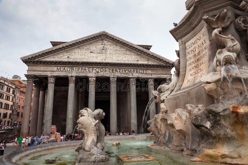 Ρώμη/Ιταλία - 08/06/2018: Διάσημη πλατεία Pantheon στοκ φωτογραφίες με δικαίωμα ελεύθερης χρήσης