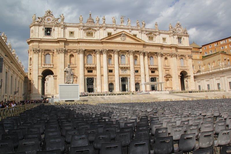 Ρώμη, Ιταλία - 2 Σεπτεμβρίου 2017: Όμορφο τετράγωνο βασιλικών του ST Peter στο στοκ εικόνες