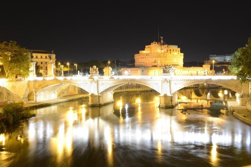 Ρώμη, Ιταλία, κάστρο Sant Angelo και ποταμός Tevere στοκ εικόνες