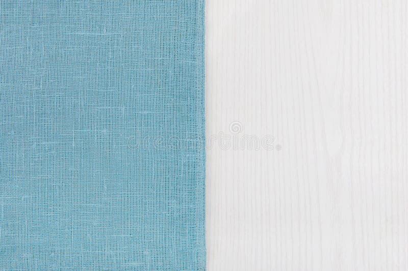 Σάκος από τον αριστερό ξύλινο πίνακα sidewhite στοκ φωτογραφία με δικαίωμα ελεύθερης χρήσης