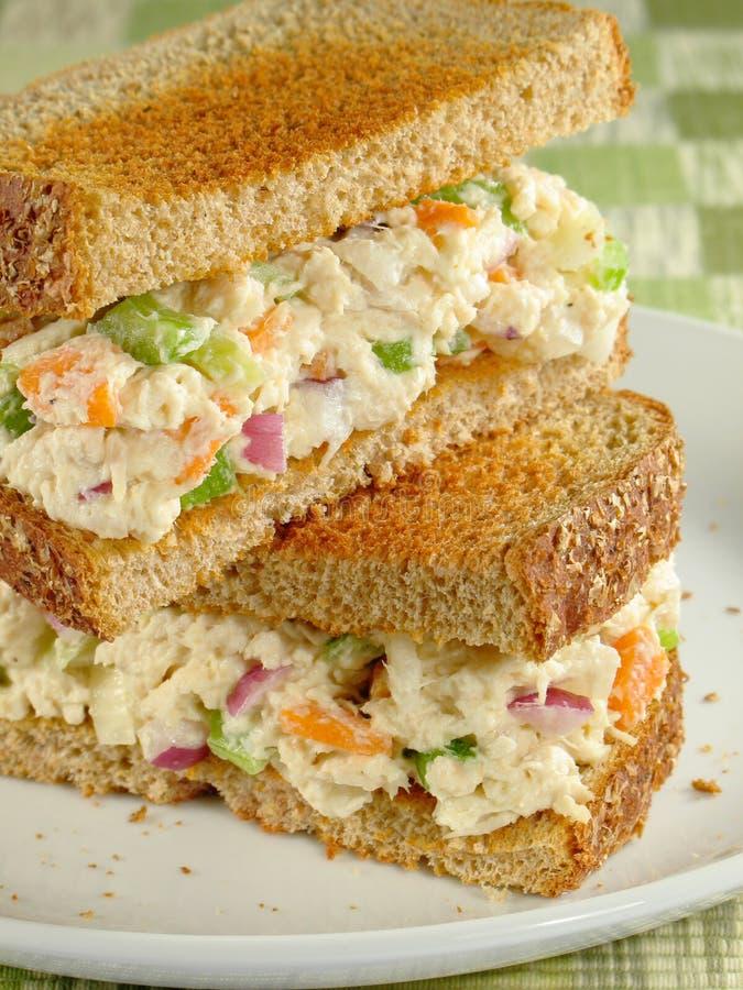 σάντουιτς σαλάτας κοτόπ&omic στοκ φωτογραφία με δικαίωμα ελεύθερης χρήσης