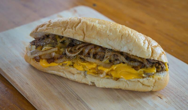 Σάντουιτς της Φιλαδέλφειας Cheesesteak στοκ εικόνες με δικαίωμα ελεύθερης χρήσης