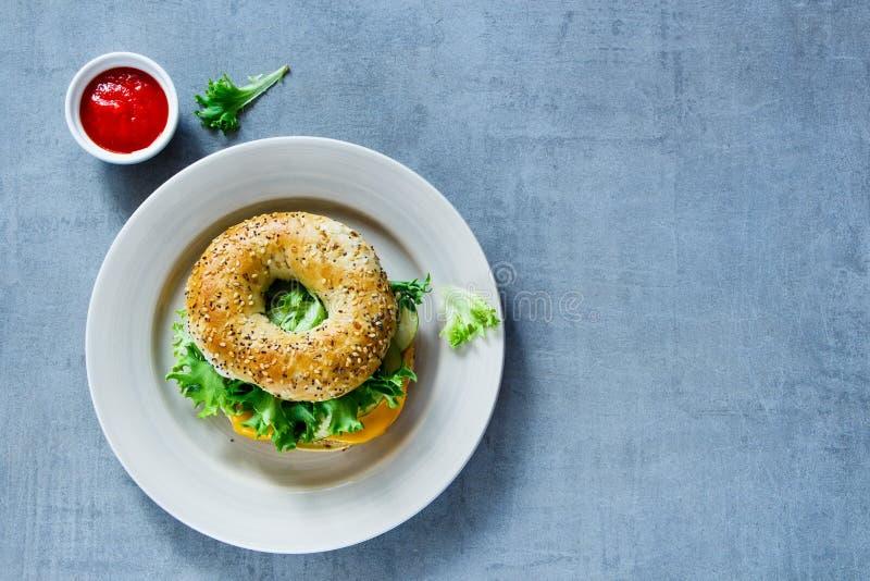 Σάντουιτς τυριών bagel στοκ φωτογραφία με δικαίωμα ελεύθερης χρήσης