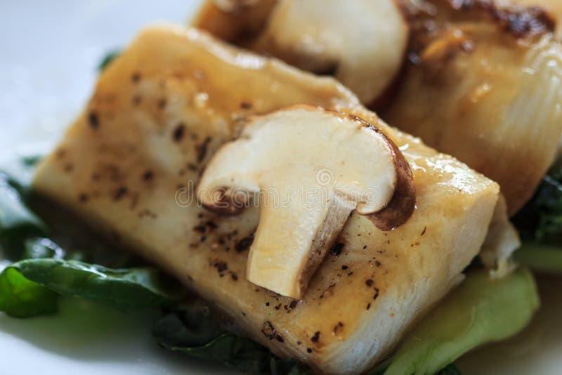 Σάλτσα ψαριών και φρέσκα μανιτάρια στοκ φωτογραφία με δικαίωμα ελεύθερης χρήσης