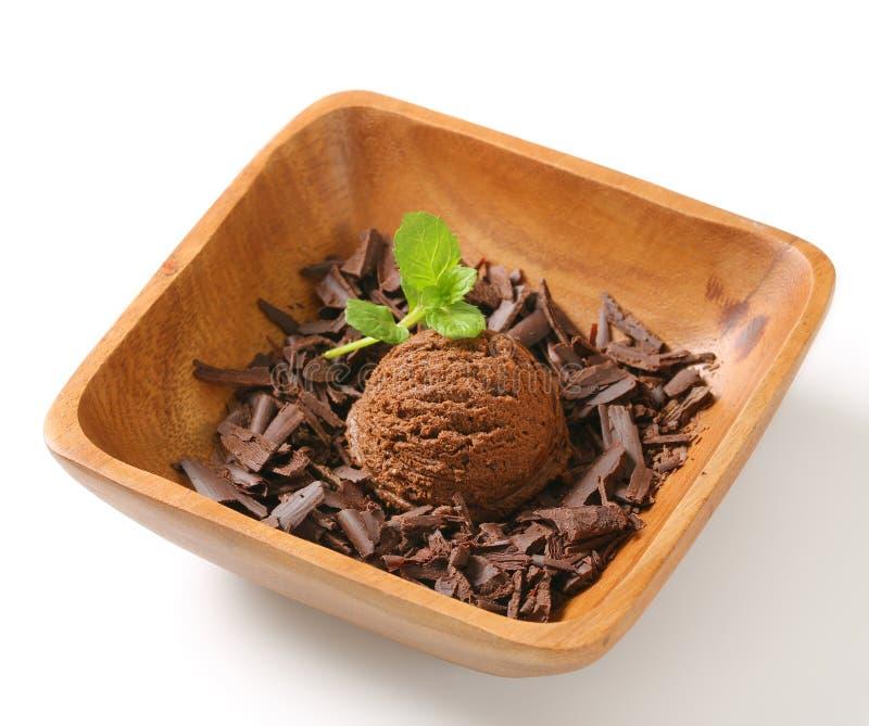 Σέσουλα των ξεσμάτων παγωτού και σοκολάτας στοκ εικόνα