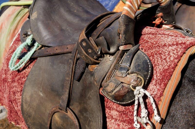 Σέλα σε έναν γάιδαρο. στοκ φωτογραφίες με δικαίωμα ελεύθερης χρήσης