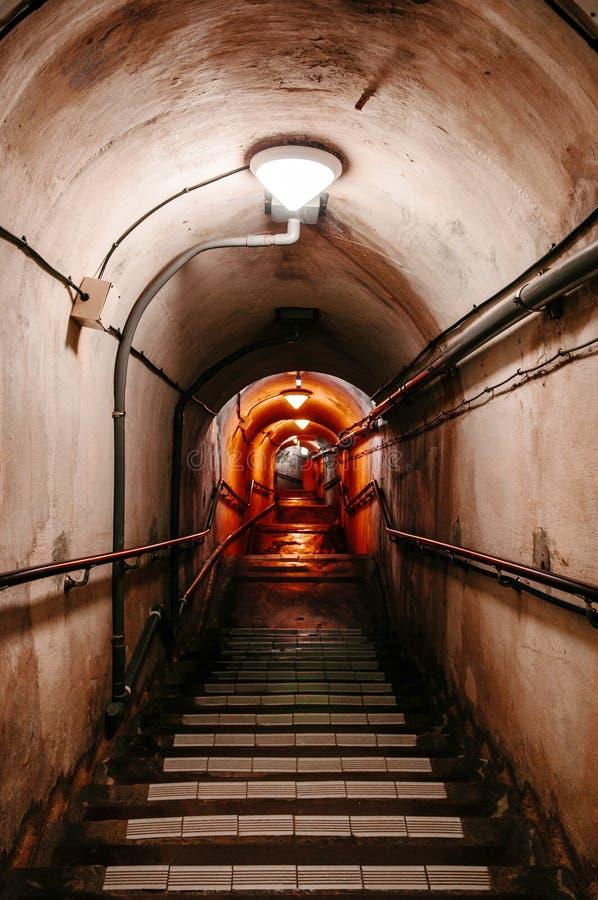Σήραγγα αποθηκών της πρώην ιαπωνικής υπόγειας έδρας ναυτικού στοκ φωτογραφία με δικαίωμα ελεύθερης χρήσης